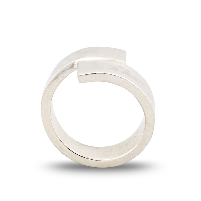 Dorothee Rosen Meeting ring Seven in sterling silver