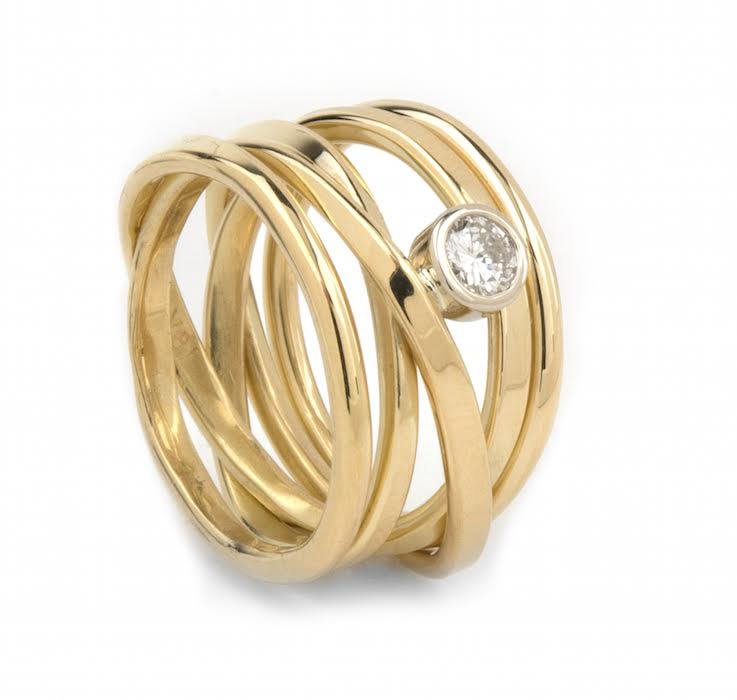 Onefooter Ring with Canadian Diamond - 18k Yellow Gold