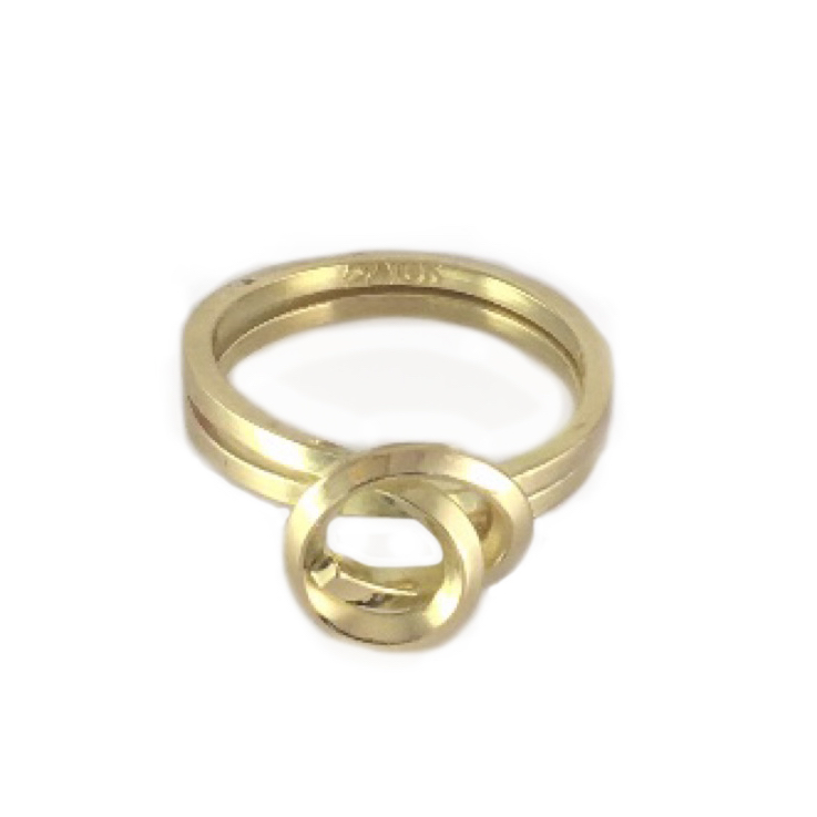 Knot Ring in 18K Yellow Gold