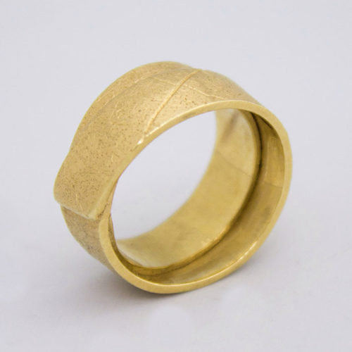 Maple Wrap Ring in Yellow Gold