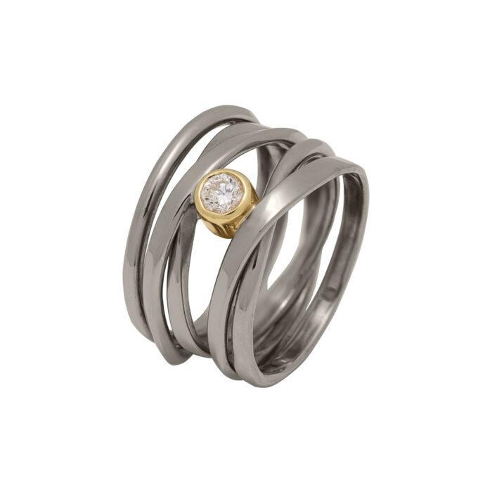 palladium white gold ring with diamond