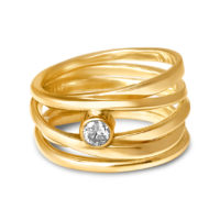 18k Yellow Gold Ring with Diamond