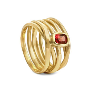 18k yellow gold and spinel is a match made in heaven. This one is sz 9