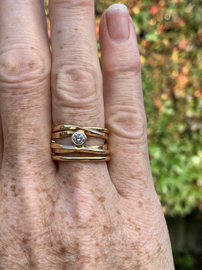 DorotheeRosen Canadian Handmade 18K Yellow Gold Diamond Ring