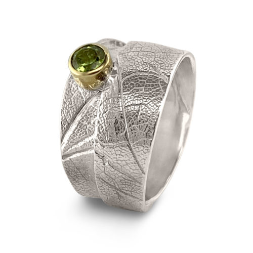 MapleWrap ring, sterling silver, Size 6.5, with 4mm round peridot. One-Of-A-Kind #304