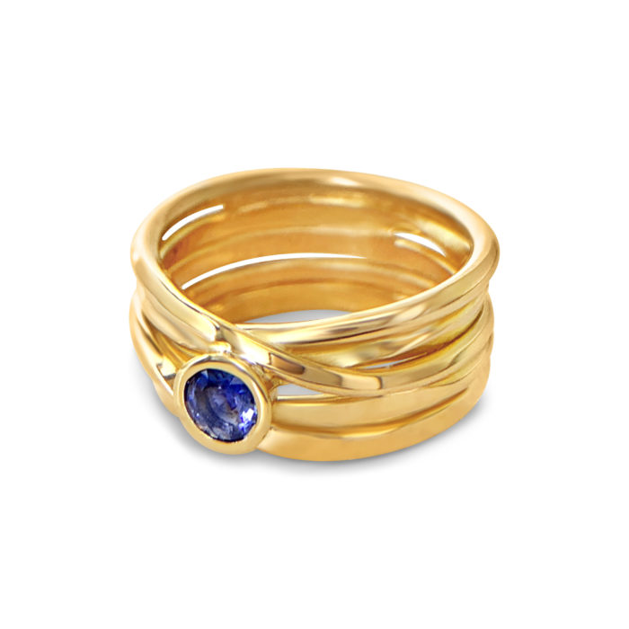 One-of-a-Kind #309|| OneFooter Ring in 18k Yellow Gold with Sapphire, Size 8.5, handmade by Dorothee Rosen