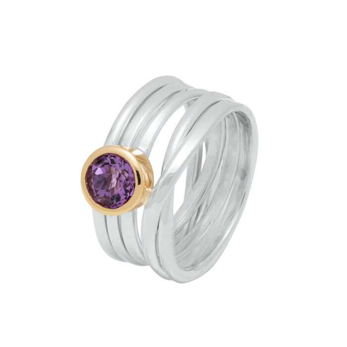 sterling silver ONefooter ring with Lavender-coloured amethyst in 18kyg bezel
