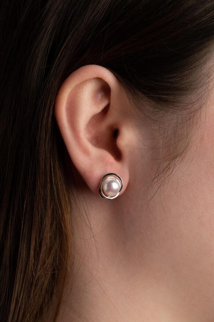 DorotheeRosen_MoonOrbit_sterling silver earring