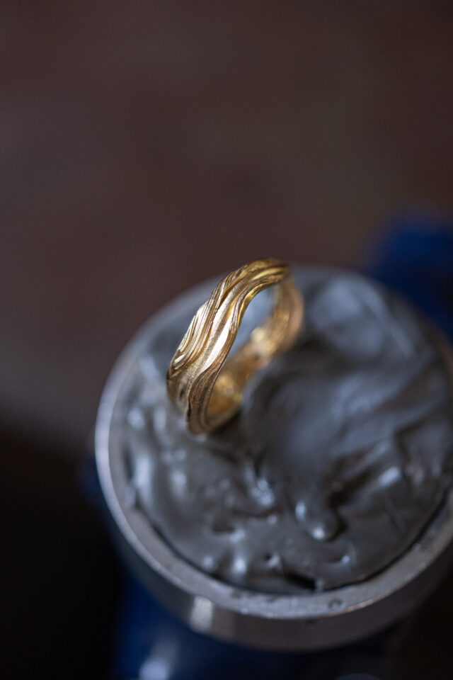 Flo Ring 03 in 18K Fairmind ECO Yellow Gold
